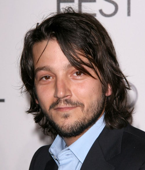 diego-luna-layered-hairdo