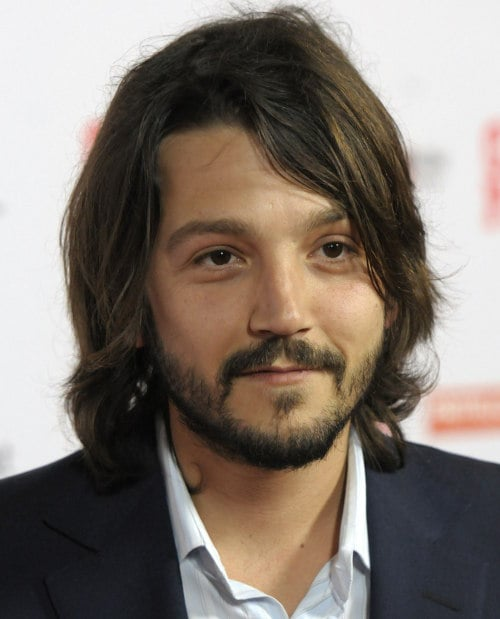diego-luna-layered-hairstyle