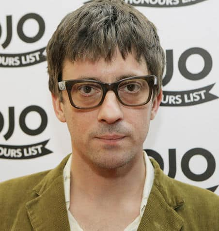 Photo of Graham Coxon hairstyle.