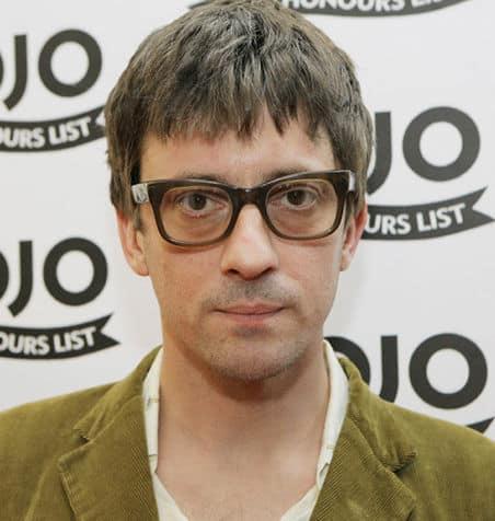 Photo of Graham Coxon hairstyle.