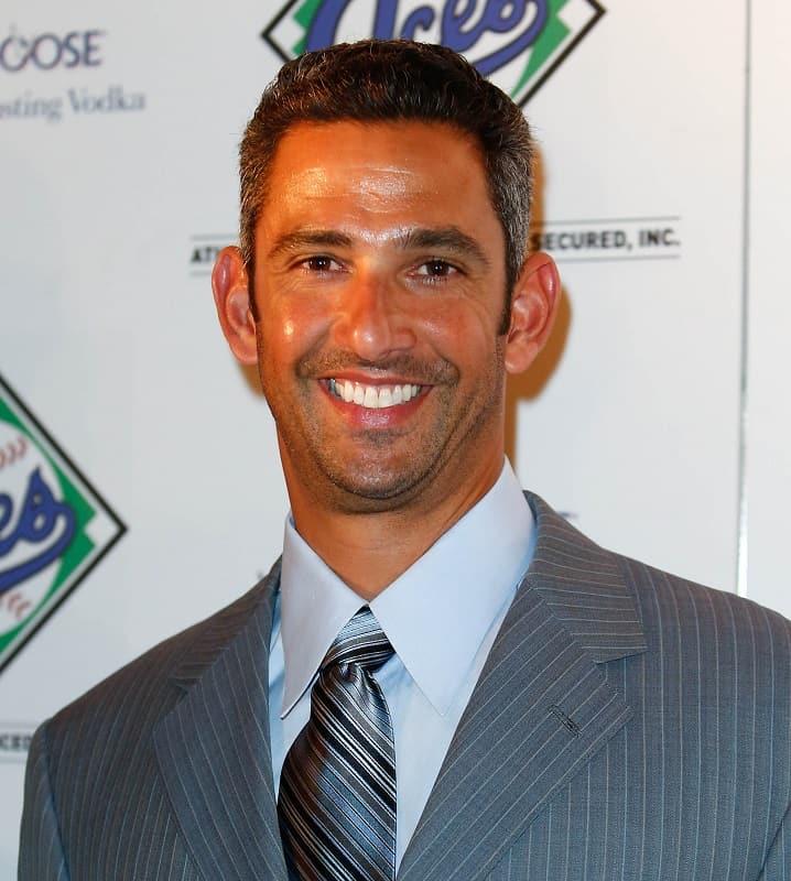 haircut of baseball player - Jorge Posada