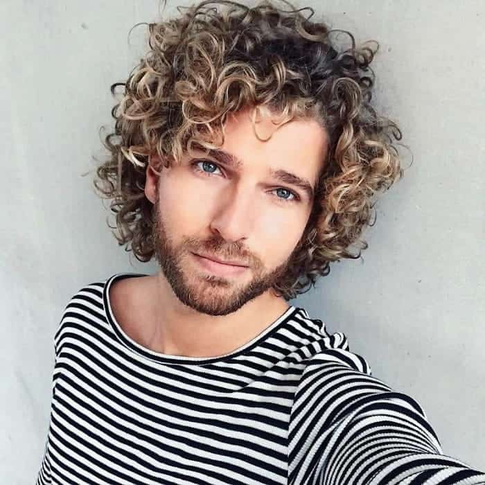 long curly haircuts for men with thin hair