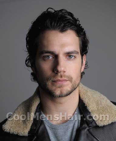 Photo of Henry Cavill hairstyle.