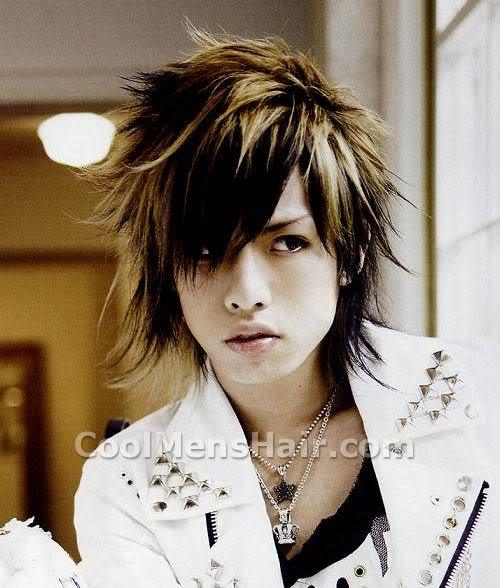 Picture of Hiroto hairstyle.