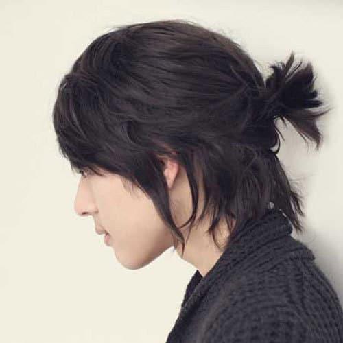 Samurai Ponytail for men with long curls