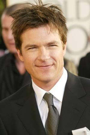 Image of Jason Bateman messy hairstyle.