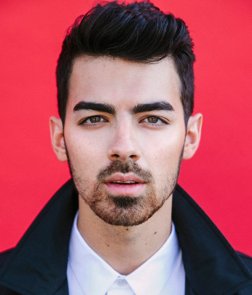 joe-jonas-thick-eyebrows