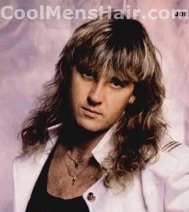 Photo of Joe Elliott mullet hairstyle.