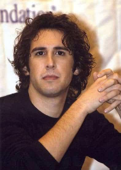 Josh Groban wavy hair