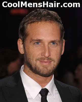Josh Lucas short layered hairstyle for men with high hairline.