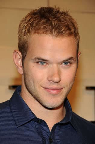Image of Kellan Lutz short textured hairstyle.