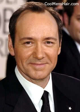 Kevin Spacey short formal hairstyle picture.