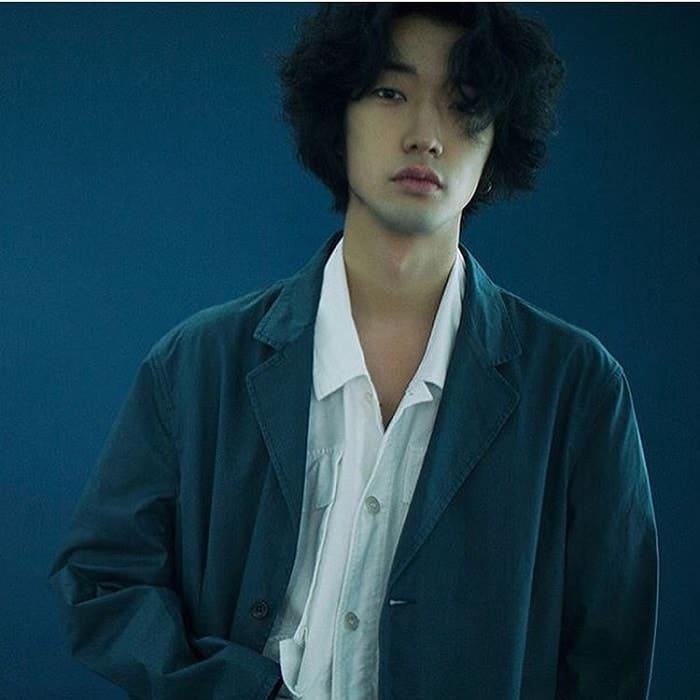 Top 25 Most Popular Korean Hairstyles For Men [2020 Update]