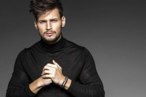 How to Layer Men's Hair: Top 20 Styles In 2021
