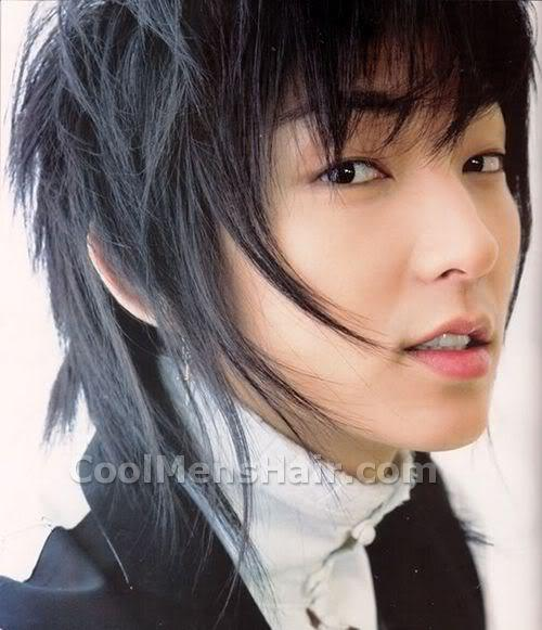 Lee Jun Ki medium length Korean hairstyle picture.
