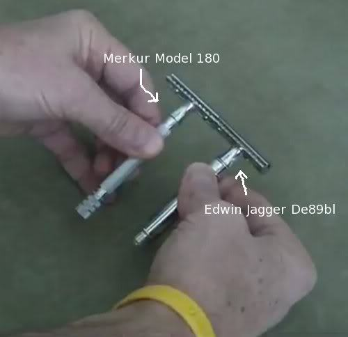 Photo comparison between Merkur Model 180 vs Edwin Jagger De89bl.