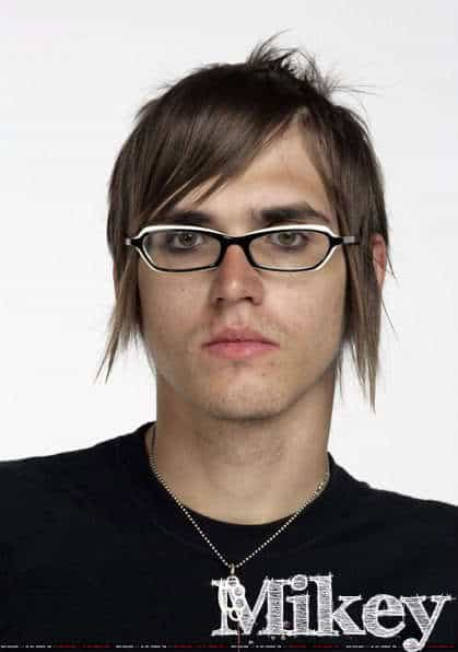Men's hairstyle from Mikey Way.