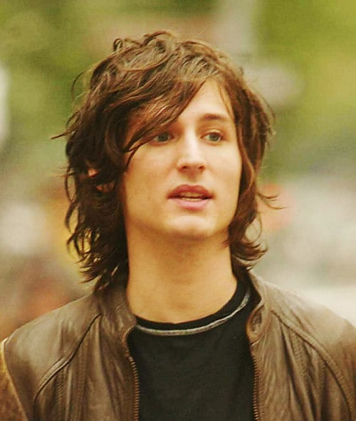 nick-valensi-hairstyle