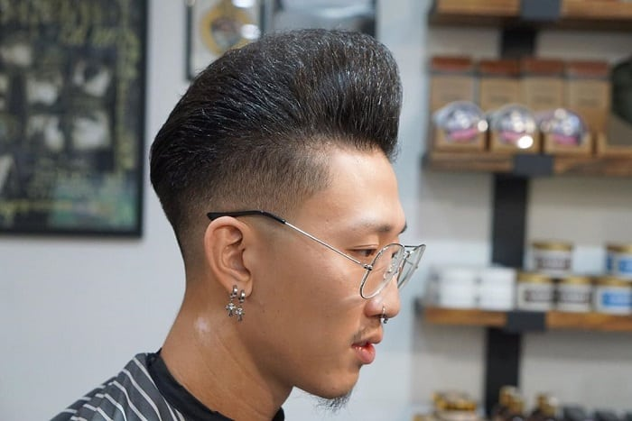 pompadour for oval faced men