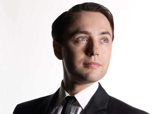 Pete Campbell classic hairstyle for men.