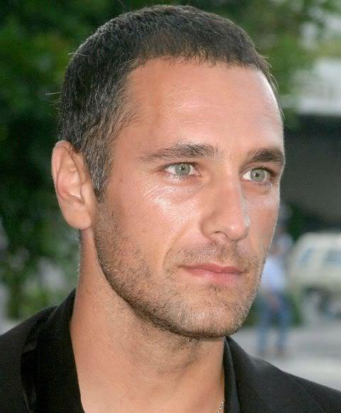 Photo of Raoul Bova hairstyle.