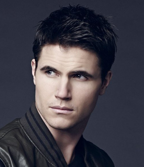 Robbie Amell Short Hairstyle Cool Men S Hair