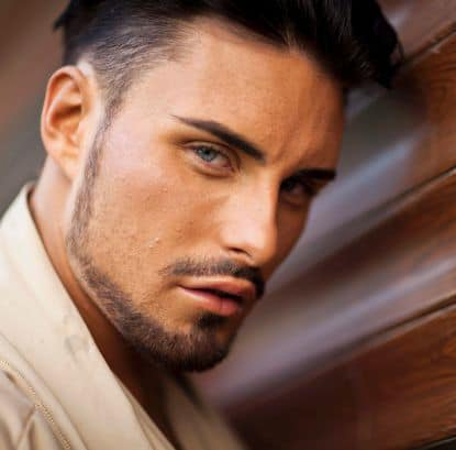 Image of Rylan Clark facial hair.