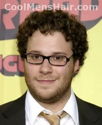 Mens hairstyle photo: Seth Rogen naturally curly hairstyle.