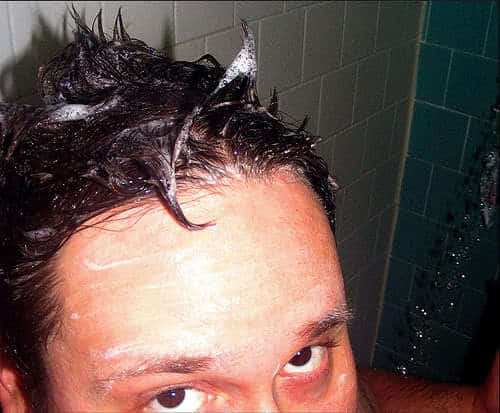 Photo of how to prevent oily summer hair.