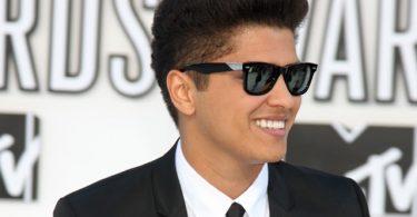 Bruno Mars hairstyle