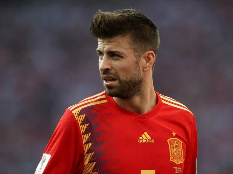 soccer player Gerard Pique haircuts