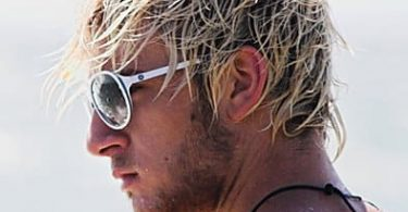 Surfer hair with highlight