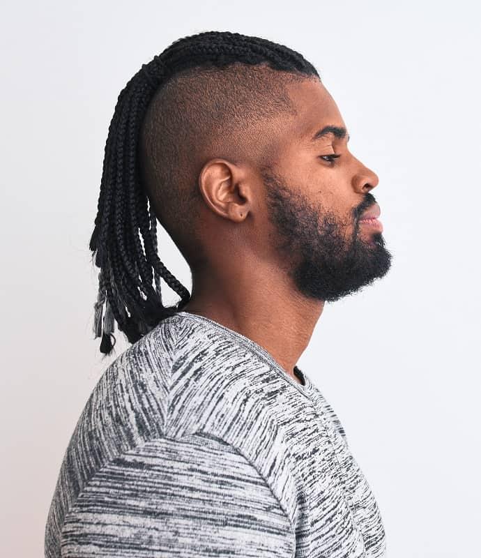 desvanecimiento cónico para el cabello largo trenzado de los hombres