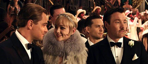 a comparison between the characters of nick carraway and tom buchanan Tom buchanan and jay gatsby show both similarities and differences throughout the novel, the great gatsby this essay discusses the characteristics that prove gatsby's and tom's unlikeness, as well as their alikeness.