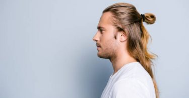 how to tie medium high man bun hair