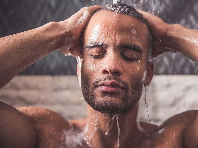 using shampoo to wash african hair