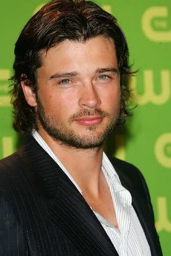 Tom Welling wild wavy hairstyle