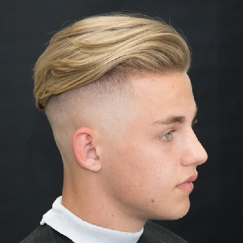blad fade undercut with comb over for men