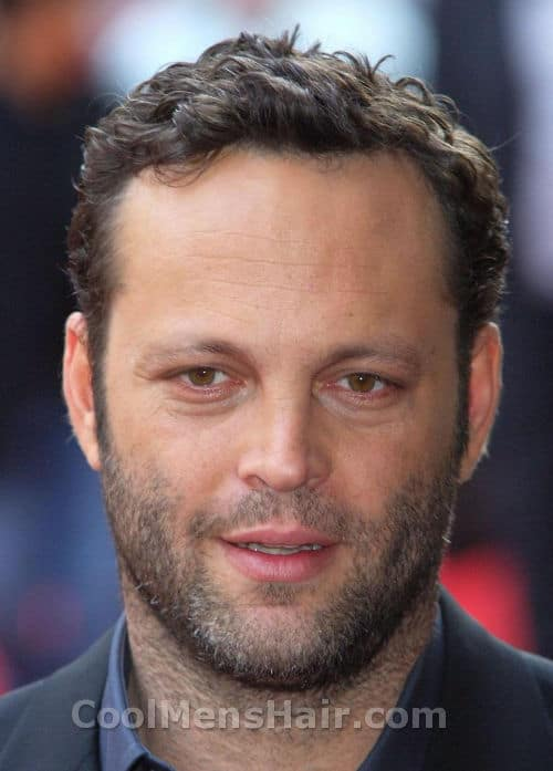 Photo of Vince Vaughn curly hairstyle.