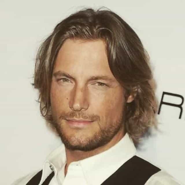 men's long wavy hairstyle