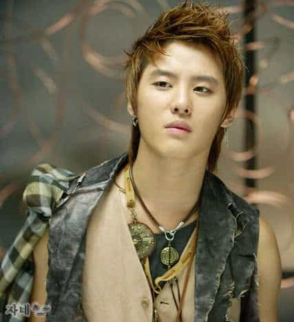 Photo of Kim Jun Su Asian faux-hawk hairstyle.